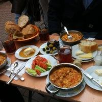 2/24/2013 tarihinde Ali Ş.ziyaretçi tarafından Çakmak Kahvaltı Salonu'de çekilen fotoğraf