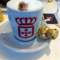 Photo taken at vida e caffè by Mohsin K. on 12/19/2013