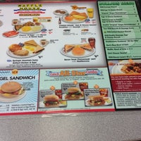 Photo taken at Waffle House by Morrice on 11/17/2012