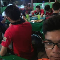 Photo taken at Rendangan Cherry Restoran by Azuan J. on 12/10/2014