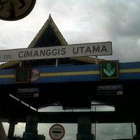 Photo taken at Gerbang Tol Cimanggis Utama by Wahyu S. on 3/30/2013