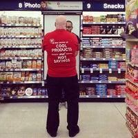 Photo taken at Walgreens by Geri-Ayn G. on 8/15/2013