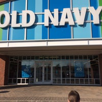 Photo taken at Old Navy by 🔫🔫🔫🔫🔫 on 2/7/2016