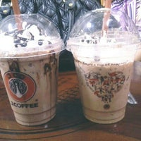 Photo taken at J.Co Donuts & Coffee by Fakhira M. on 3/8/2014
