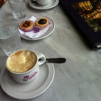 Photo taken at Las Violetas by Leo C. on 10/17/2012