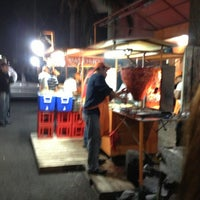 Photo taken at Tacos Palomo by Guillermo H. on 1/12/2013