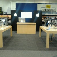 Photo taken at Best Buy by Efren C. on 10/17/2012