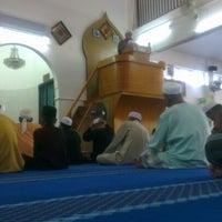 Photo taken at Masjid Teluk Air Tawar by lekuq a. on 12/14/2012