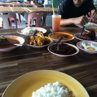 Photo taken at Nasi Kandar Simpang Ampat by Ernie P. on 10/22/2016