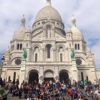 Photo taken at Basilique du Sacré-Cœur de Montmartre by Dragana on 4/29/2013