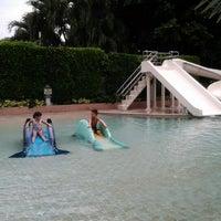 Photo taken at Pattaya Discovery Beach Hotel (D-Beach) by ธารทิพย์ ไ. on 9/17/2012