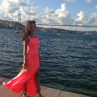 Photo taken at Kıyı Emniyet Restaurant by Serra H. on 9/8/2013