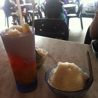 Photo taken at Swee Kang Ais Kacang by Natasha N. J. on 10/1/2012
