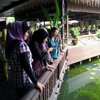Photo taken at Restoran Nelayan by Liez Kifli M. on 9/6/2012