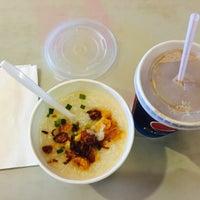 Photo taken at KFC by Eyka Atiqah E. on 6/12/2015
