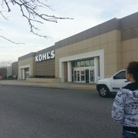 Photo taken at Kohl's by Carol Elizabeth M. on 1/5/2013
