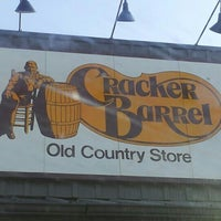 Photo taken at Cracker Barrel Old Country Store by Ravioli S. on 10/5/2012