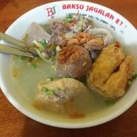 Photo taken at Bakso Jagalan 87 by suci p. on 11/9/2015