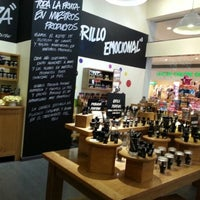 Photo taken at LUSH Fresh Handmade Cosmetics by Ia G. on 11/19/2012