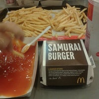 Photo taken at McDonald's by oggiescrocrunh on 9/21/2012