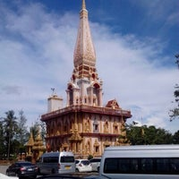 Photo taken at วัดไชยธาราราม (วัดฉลอง) Wat Chalong by serj_d.a on 11/29/2012