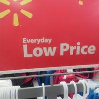 Photo taken at Walmart Supercenter by Violeta L. on 3/21/2014