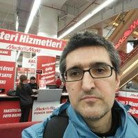 Photo taken at Media Markt by Melih Bayram D. on 2/17/2016