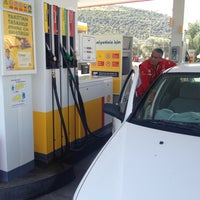 Photo taken at Shell by Efe B. on 4/29/2013