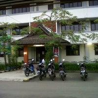 Photo taken at Universitas Jenderal Achmad Yani (UNJANI) by Ikeu Y. on 5/11/2013