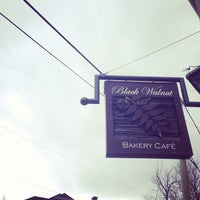Photo taken at Black Walnut Bakery Cafe by Ji-Young H. on 3/31/2013