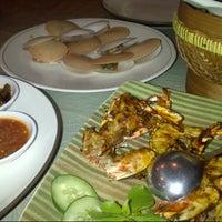 Photo taken at Gama Ikan Bakar dan Seafood by Yopie A. on 1/6/2015