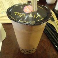 Photo taken at Tea Era 茶殿 by Chinggis K. on 1/6/2013