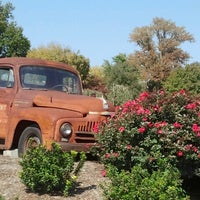 Photo taken at Eckert's Belleville Country Store & Farm by Reanna P. on 9/30/2012