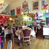 Photo taken at Foam Café & Gallery by Manolo on 2/12/2013