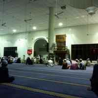 Photo taken at Masjid Nasiruddin Shah by جند ا. on 10/10/2012