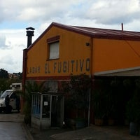 Photo taken at Sidreria El Fugitivo by Nalves P. on 11/5/2012