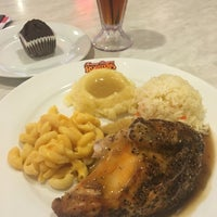 Photo taken at Kenny Rogers Roasters by Isaac A. on 9/2/2016