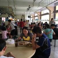 Photo taken at Hougang 105 Hainanese Village Centre (Lorong Ah Soo Food Centre) by Calvin C. on 5/8/2016