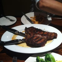 Photo taken at LongHorn Steakhouse by Rafet E. on 10/3/2012