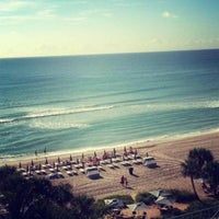 Photo taken at DoubleTree by Hilton Ocean Point Resort & Spa - North Miami Beach by Milky Way on 5/3/2013