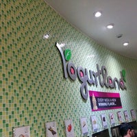 Photo taken at Yogurtland by Fabrizio R. on 2/9/2014