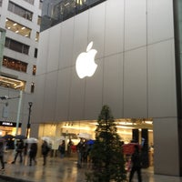 Photo taken at Apple Store by MASAYOSHI S. on 11/17/2012