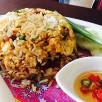 Photo taken at Thaveechai Restaurant by Ekkaluck S. on 10/26/2016