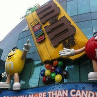 Photo taken at M&M's World by Hamad A. on 11/15/2012