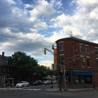 Photo taken at Inman Square by Vicente O. on 6/7/2016