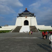 Photo taken at Chiang Kai-Shek Memorial Hall by Candra 왕. on 7/1/2013