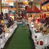 Photo taken at Studio 5 Festival Mall by Vanessa B. on 11/18/2012