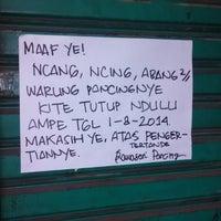 Photo taken at Toko Rawasari Pancing by Faizal H. on 7/29/2014