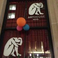 Photo taken at The Arthouse Hotel by Ricardo E. on 4/18/2013
