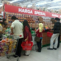 Photo taken at Carrefour by Mar'atul A. on 6/28/2013